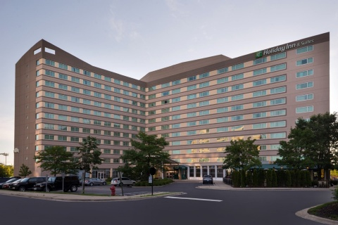 Holiday Inn And Suites Chicago O'hare-rosemont Hotel