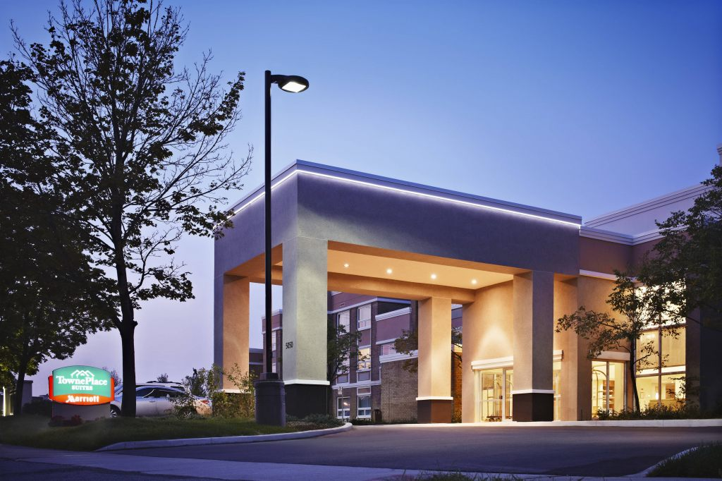 TownePlace Suites by Marriott Mississauga-Airport Corporate Centre, ON L4W4X2