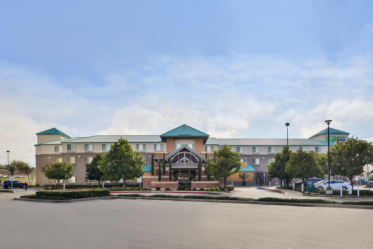 Holiday Inn Elk Grove Village Ohare, IL 60007
